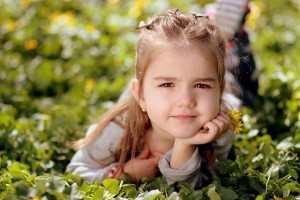 girl-1250679_640